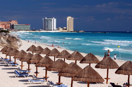 Billiga flyg till Cancun <!--Air best deals page--> <script> $( document ).ready(function() { try { if(dataLayer[0].entryType==='newsletter' && dataLayer[0].section==='AirDeals') { $('#contentPageMain').find('#pageList').prependTo('#headAndContent'); $('#pageHeader1').prependTo('#headAndContent'); } } catch(e) {     console.log(e); }  try { if(dataLayer[0].entryType==='newsletter' && dataLayer[0].section==='AirDeals') { $('#mainPageImageDiv').prependTo('#leftPane').append('<br /><br />');    } } catch(e) {     console.log(e); }  });  var extraProductsTimeout =  setInterval(function(){ 	if($('.holidayDealsListView') !== null && $('.holidayDealsListView').length > 0) { 		$('.raligntxt.holidayPrice').find('.right').css('font-size','20px'); 		$('.right.pr4').find('.b-button').addClass('eti-button').css('font-size','14px').css('padding-top','5px'); 		clearInterval(extraProductsTimeout); 	} },500); </script>    <!--Destination page--> <script> $( document ).ready(function() { try { if(dataLayer[0].entryType==='newsletter' && dataLayer[0].section==='DestinationGuide.Air') { $('#contentPageMain').find('#pageList').prependTo('#headAndContent'); $('#pageHeader1').prependTo('#headAndContent'); $('#headAndContent .back-button-contributor').css('margin-top','-35px'); } } catch(e) {     console.log(e); }  try { if(dataLayer[0].entryType==='newsletter' && dataLayer[0].section==='DestinationGuide.Air') { $('#mainPageImageDiv').prependTo('#leftPane').append('<br /><br />');    } } catch(e) {     console.log(e); }  });  var extraProductsTimeout =  setInterval(function(){ 	if($('.holidayDealsListView') !== null && $('.holidayDealsListView').length > 0) { 		$('.raligntxt.holidayPrice').find('.right').css('font-size','20px'); 		$('.right.pr4').find('.b-button').addClass('eti-button').css('font-size','14px').css('padding-top','5px'); 		clearInterval(extraProductsTimeout); 	} },500); </script>